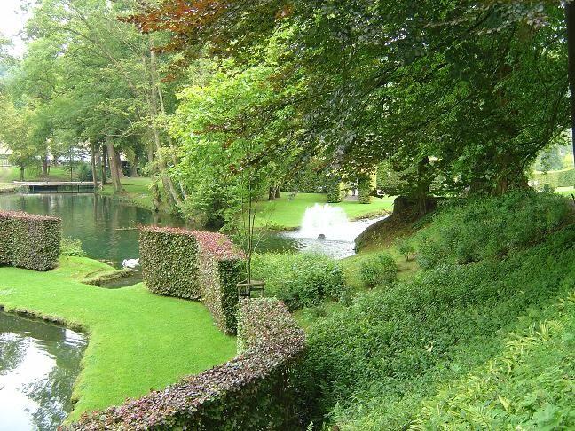 les jardins d 39 annevoie cascades et fontaines en pagaille fred l 39 apiculteur exometeofraiture. Black Bedroom Furniture Sets. Home Design Ideas
